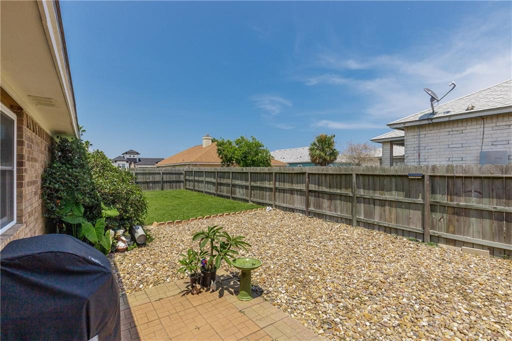13918 Eaglesnest Bay Dr Property Photo 31
