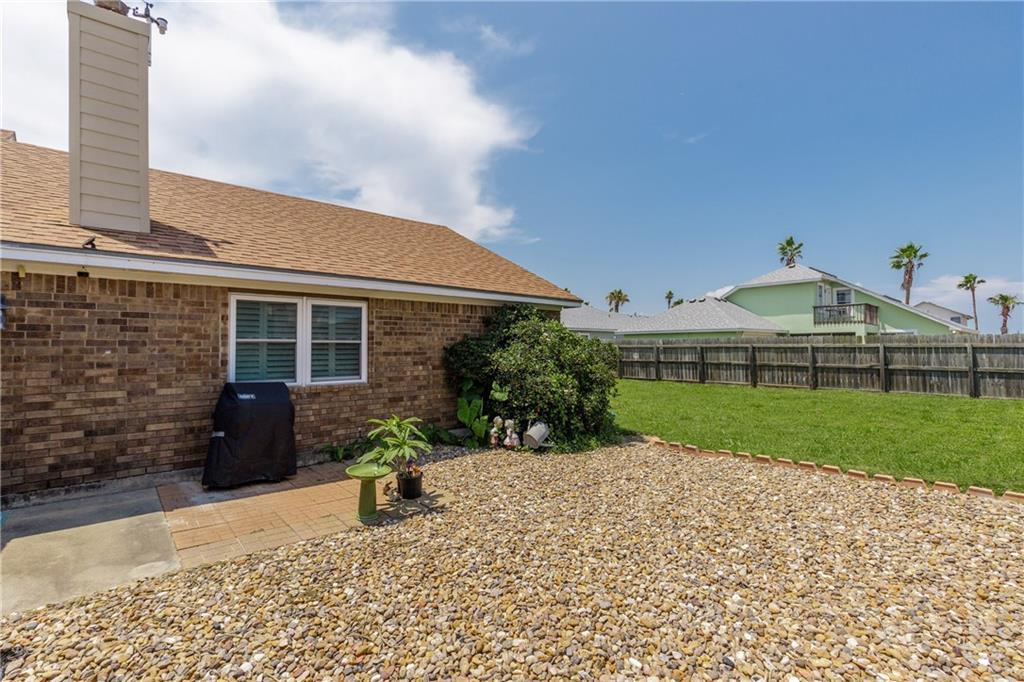 13918 Eaglesnest Bay Dr Property Photo 32