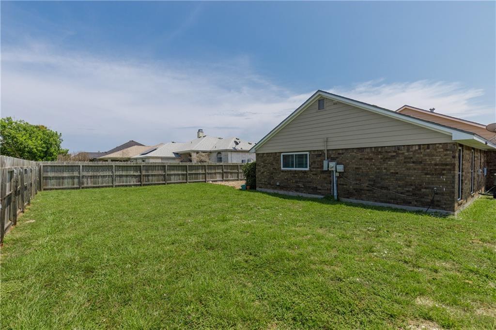 13918 Eaglesnest Bay Dr Property Photo 36
