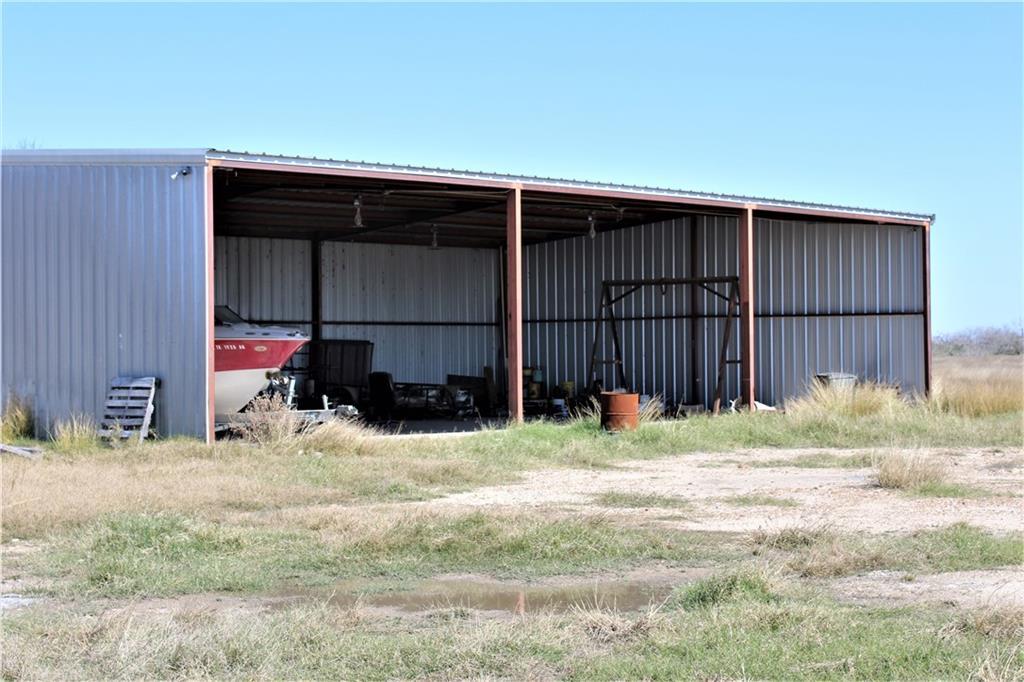 612 Fm 99 Property Photo 1