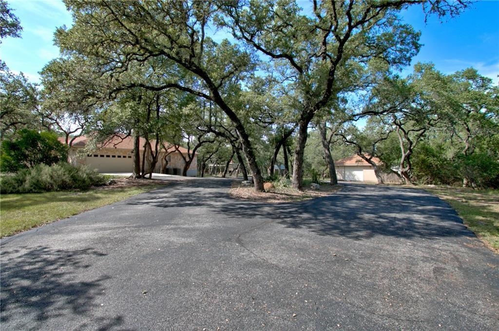 1205 Grand Oaks Dr Property Photo 4