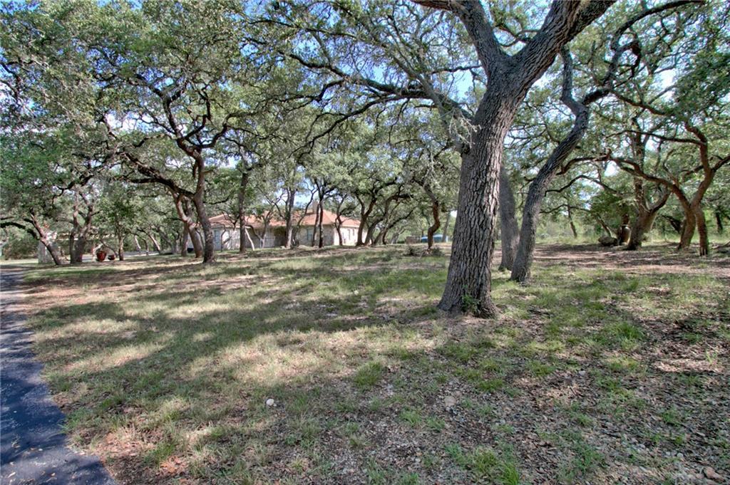 1205 Grand Oaks Dr Property Photo 8