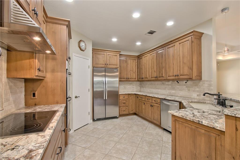 1205 Grand Oaks Dr Property Photo 16