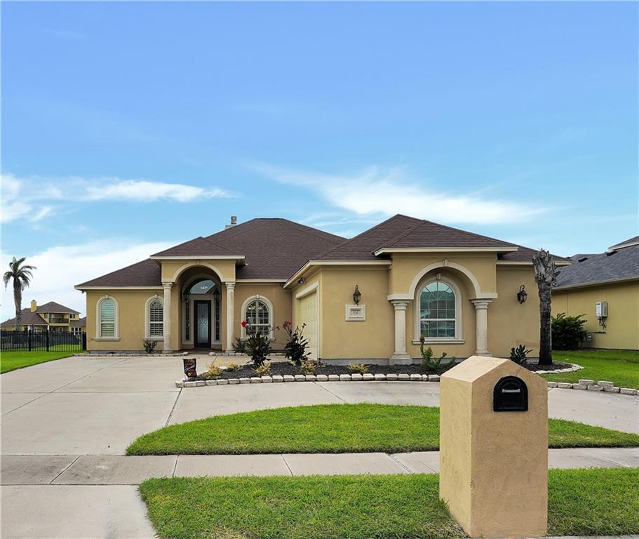 531 Pinehurst Property Photo 1