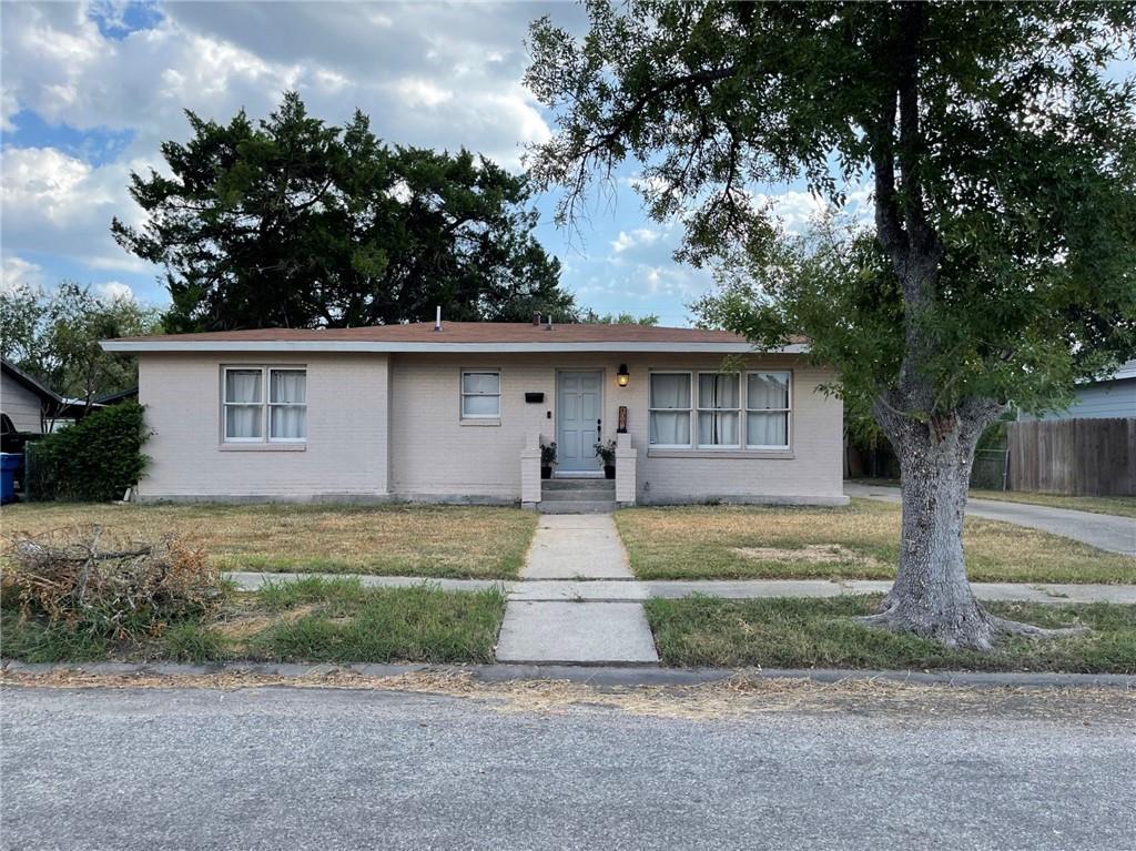 408 E Tubbs St Property Photo 1