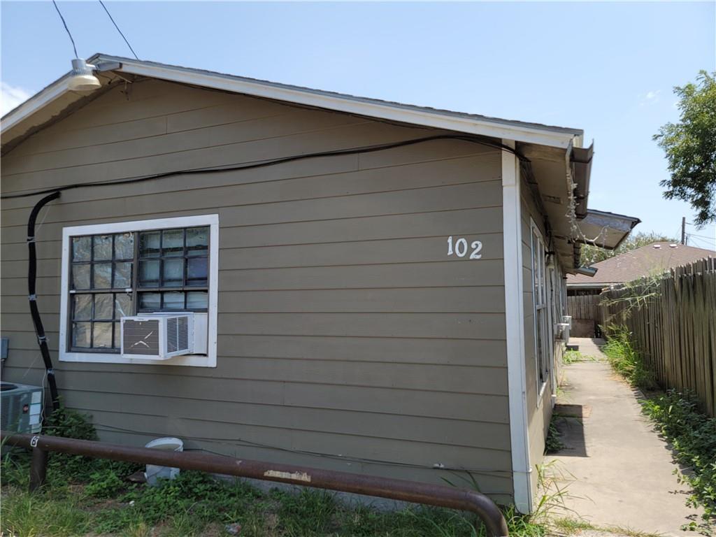 100 San Diego St Property Photo 1