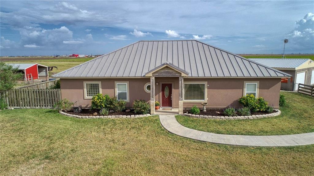 1200 S Prairie Property Photo 1