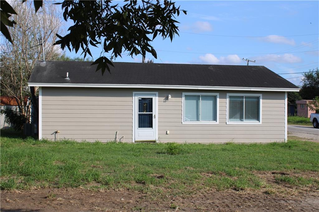 321 S Live Oak St Property Photo 1