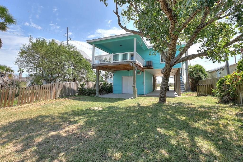 1316 Ross Ave Property Photo 1