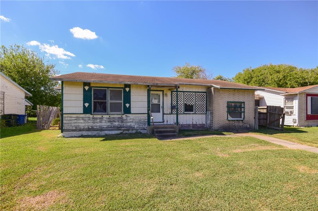 1205 Whitaker Dr Property Photo 1