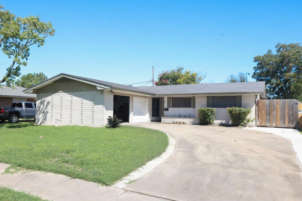 3710 Bentwood Property Photo 1