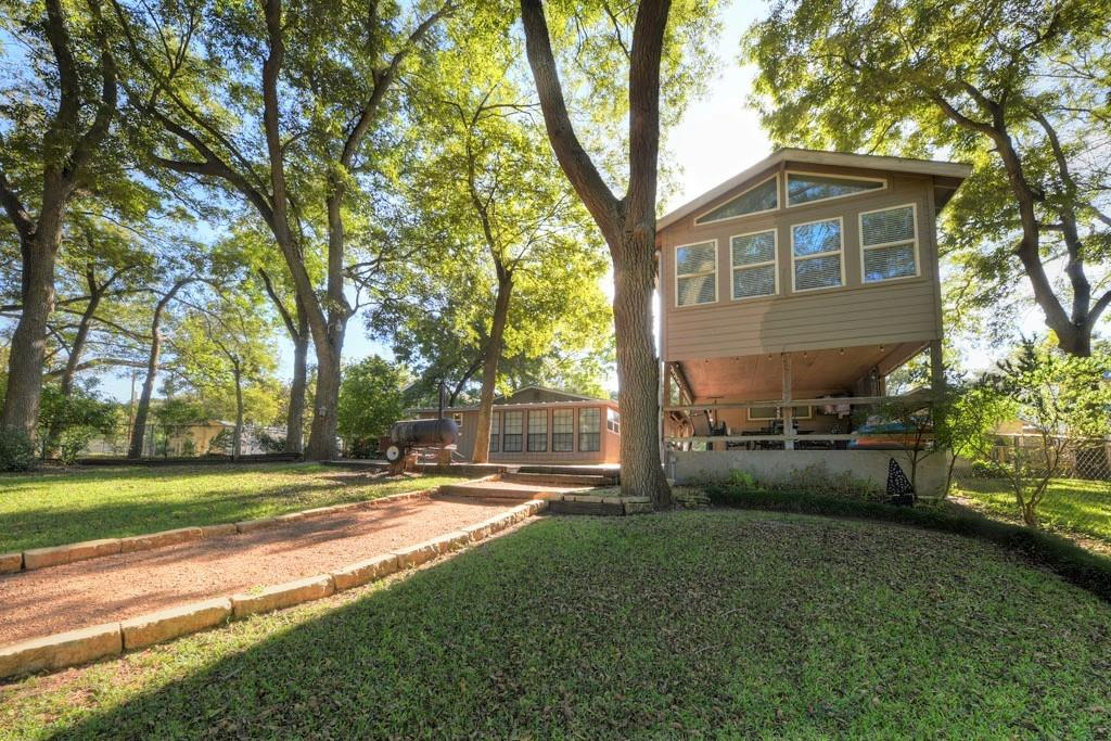 8994 River Road Property Photo 1