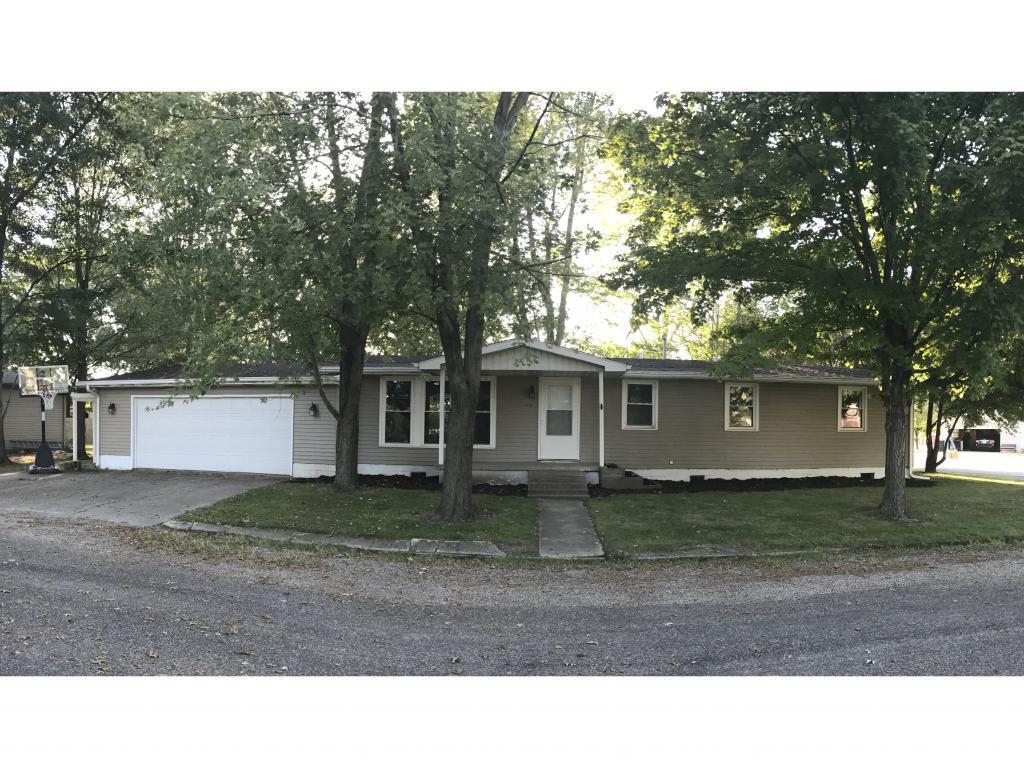 1314 Lynwood Place Property Photo 1