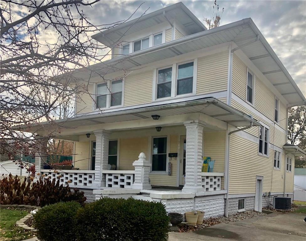 511 S Van Buren Street Property Photo 1