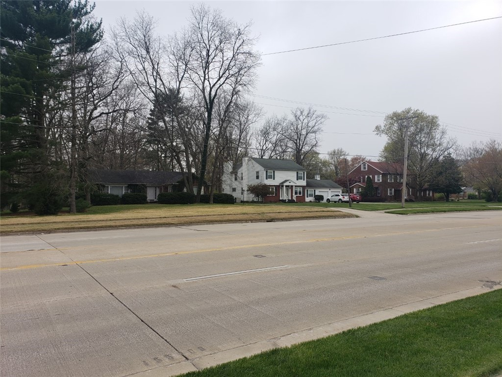 805-809 N Keller Drive Property Photo 1