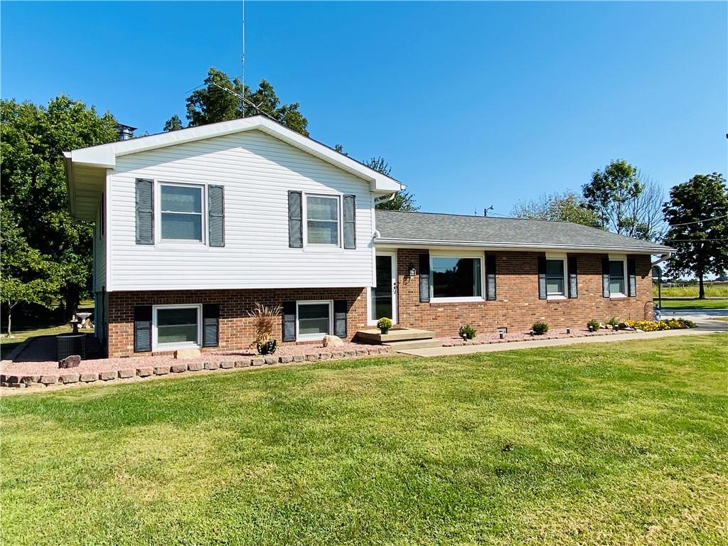 5507 N Sugar Creek Road Property Photo 1