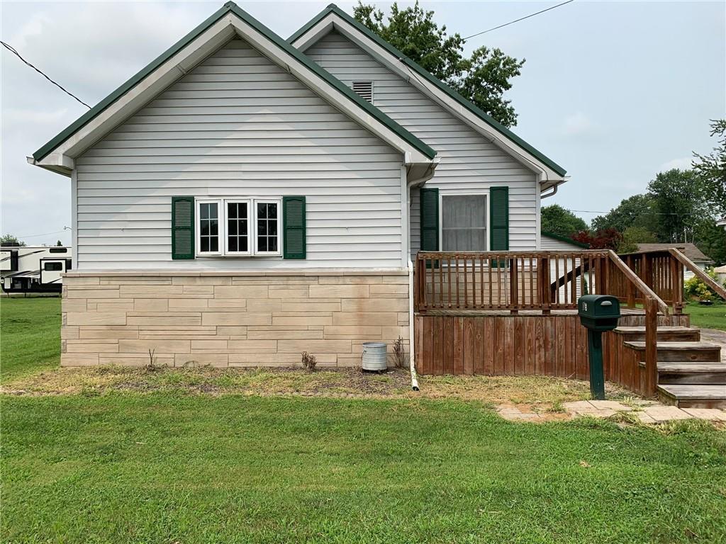 905 Cross Street Property Photo 1