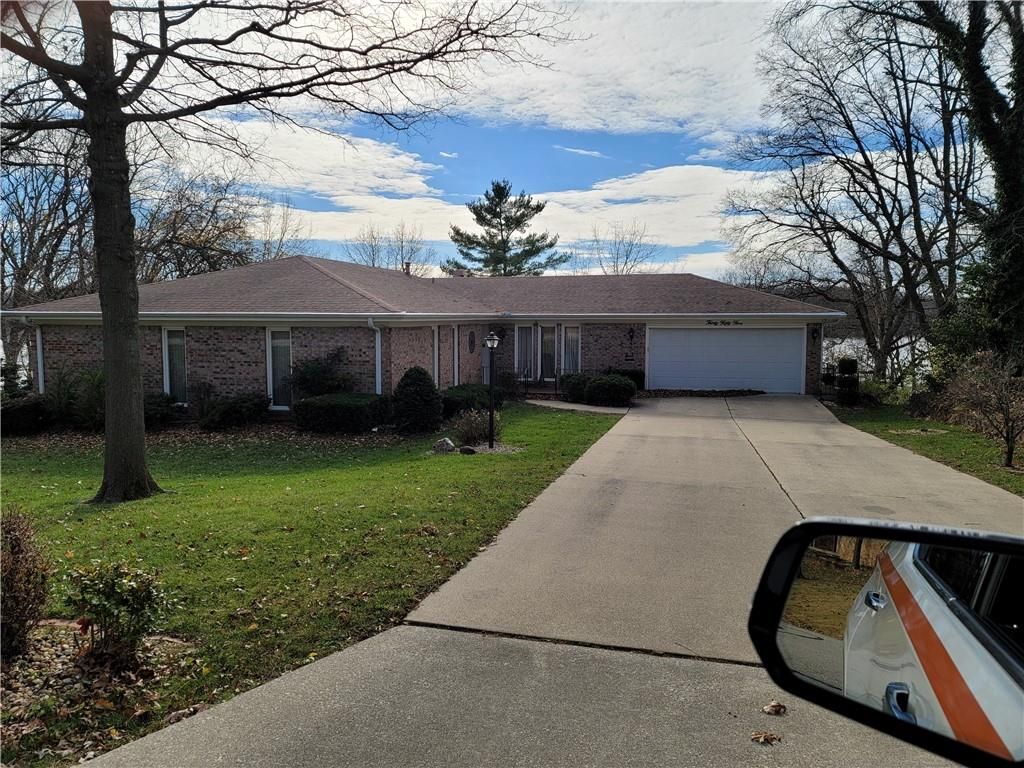 3055 Lake Bluff Drive Property Photo 1