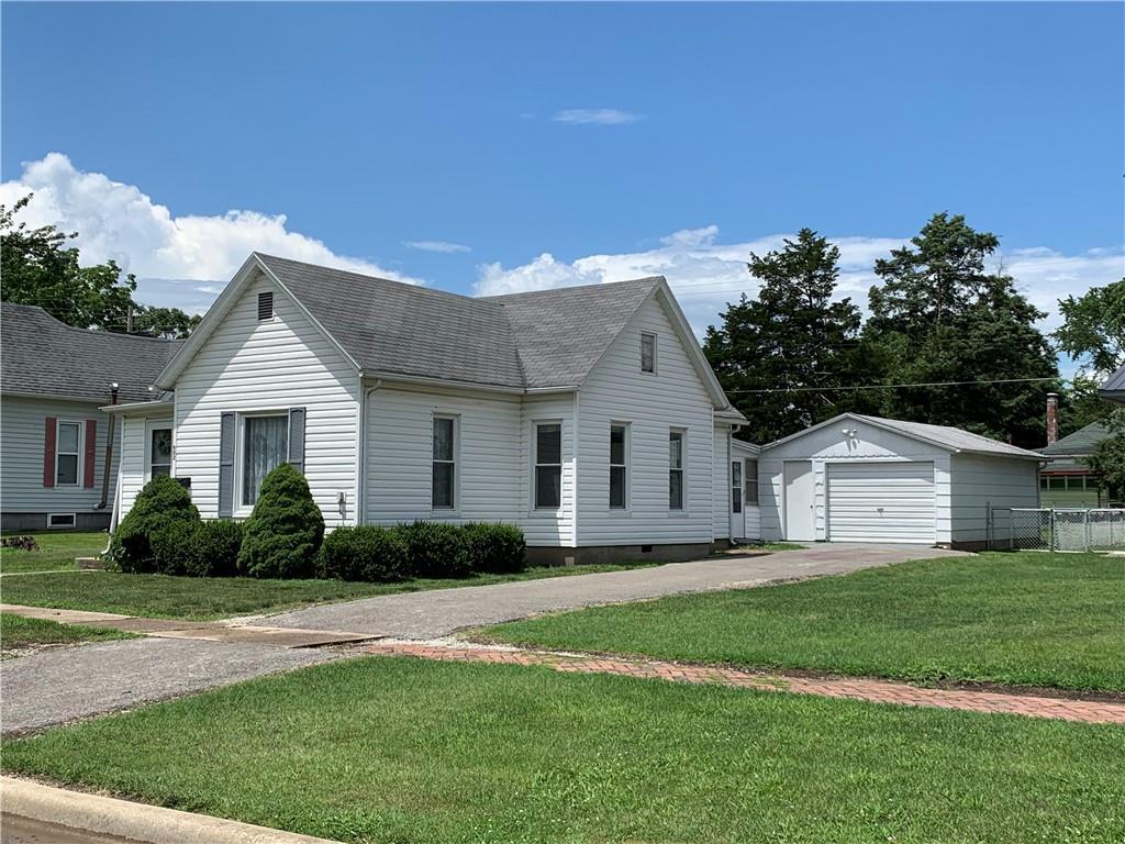 902 2nd Street Property Photo 1