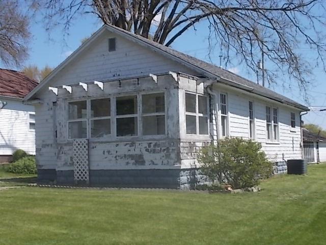 708 Locust Street Property Photo 1