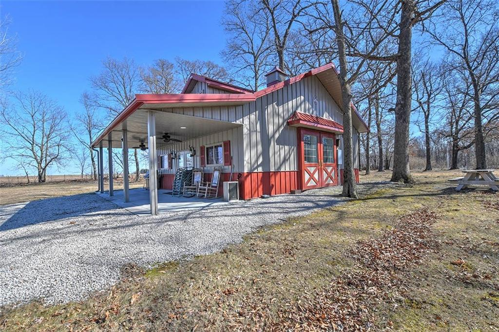 692 State Highway 121 Property Photo 1