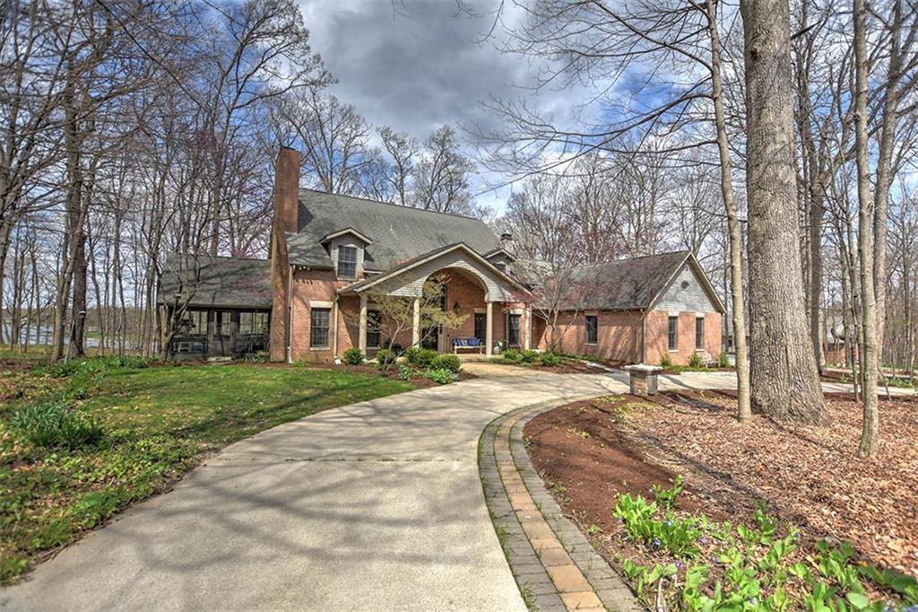 3170 Woodland Shores Drive Property Photo 1