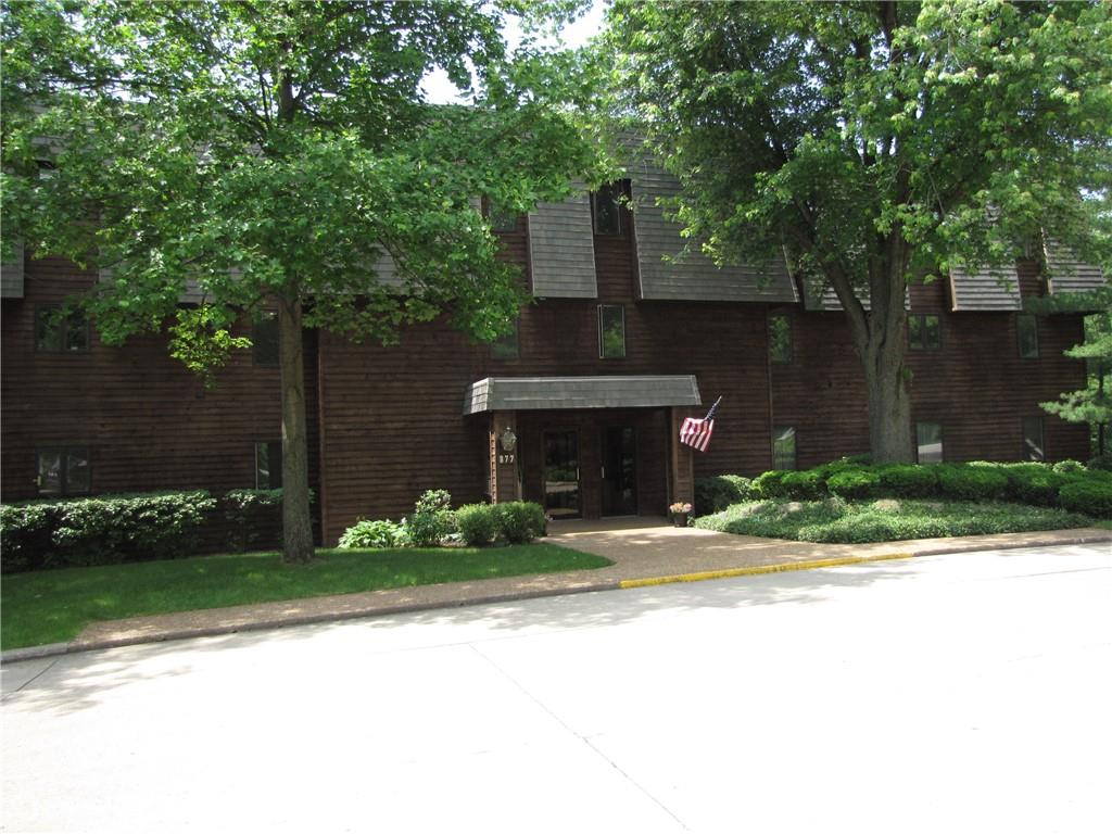 877 E Lake Shore Drive #b-1-c/d Property Photo 1