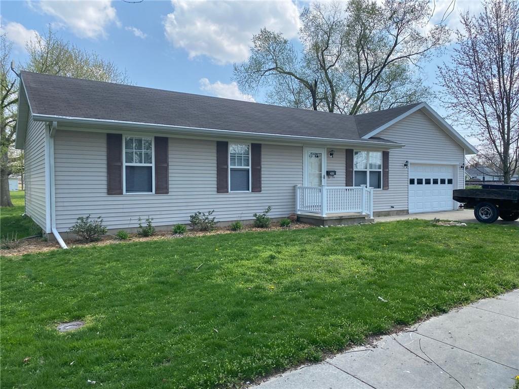 205 N St Clair Street Property Photo 1