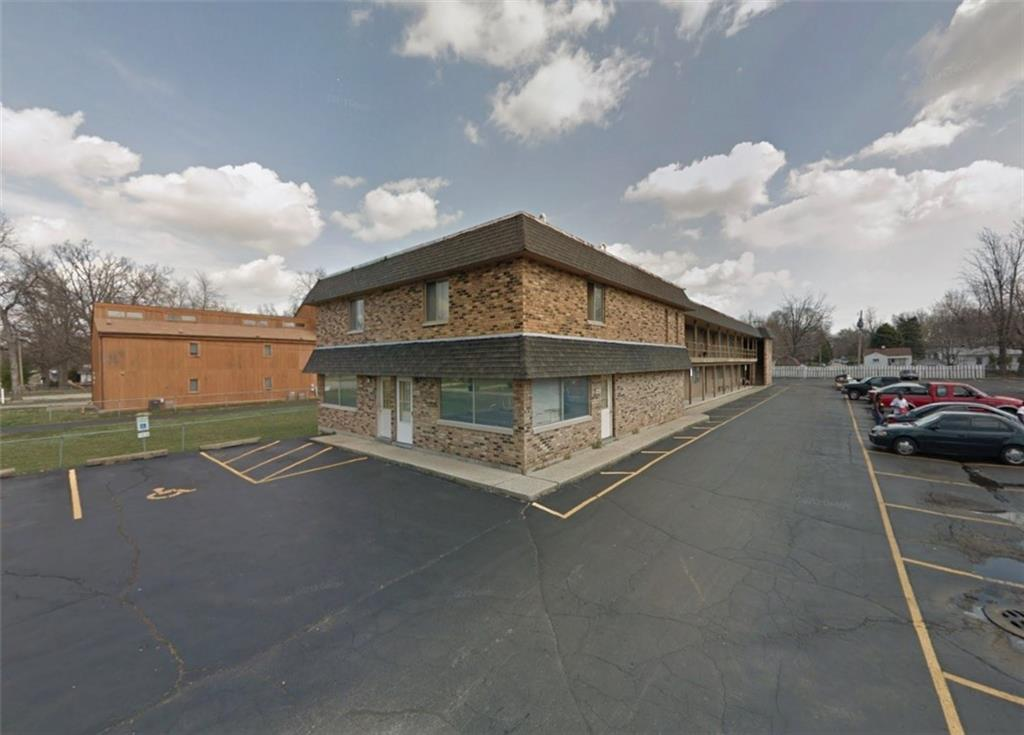 1330 N Summit Avenue Property Photo 1