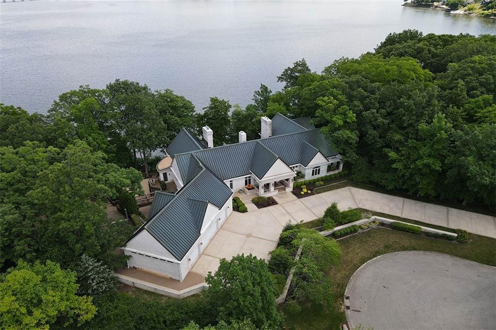 20 Lake Point Property Photo 3