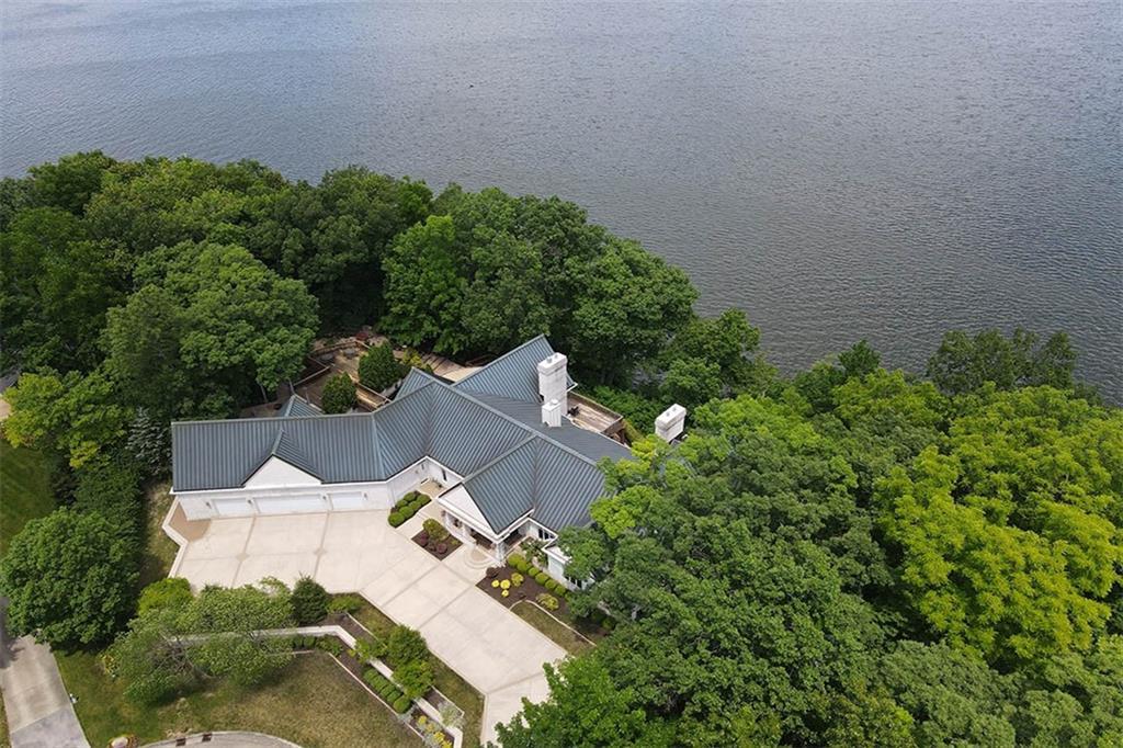 20 Lake Point Property Photo 4