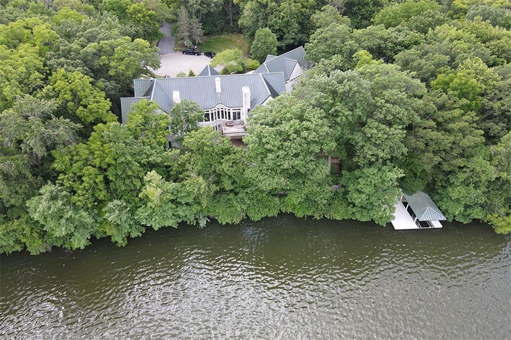 20 Lake Point Property Photo 5