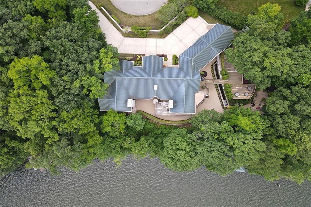 20 Lake Point Property Photo 6