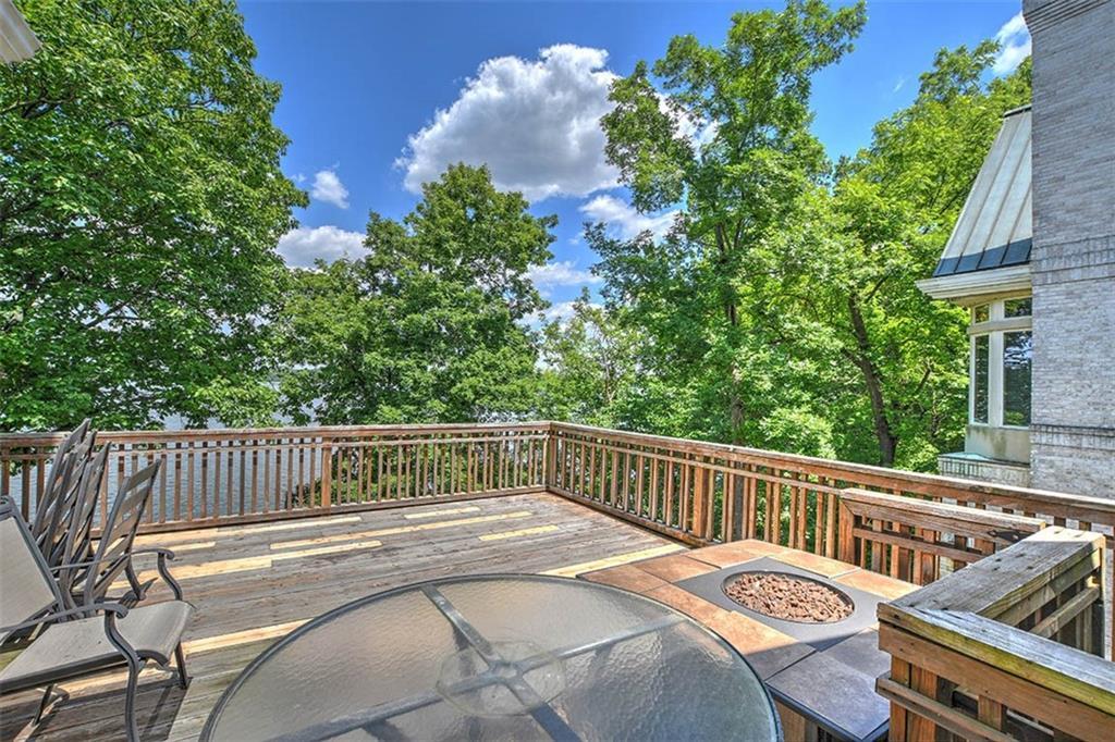 20 Lake Point Property Photo 44