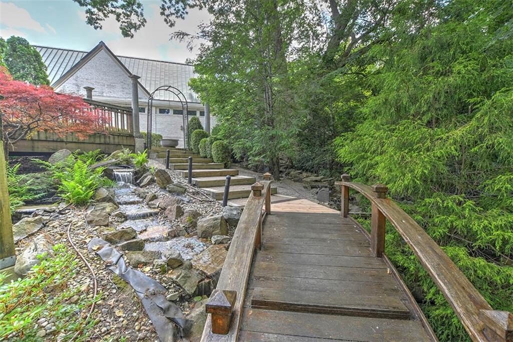 20 Lake Point Property Photo 46