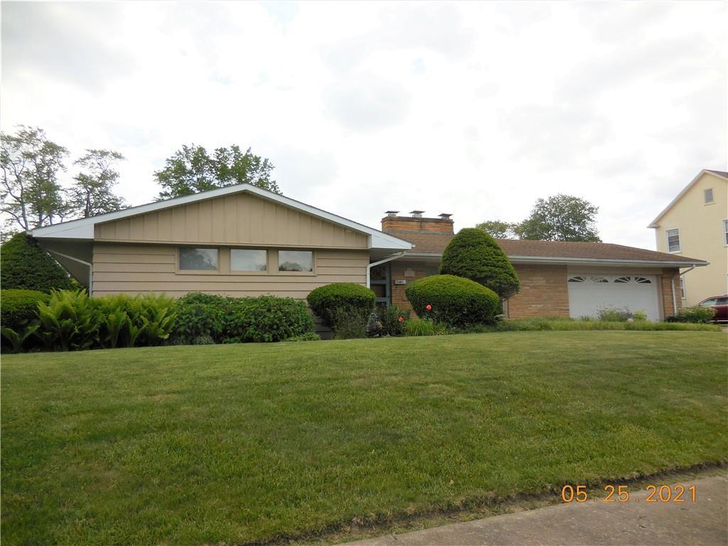 218 E Woodlawn Avenue Property Photo 1