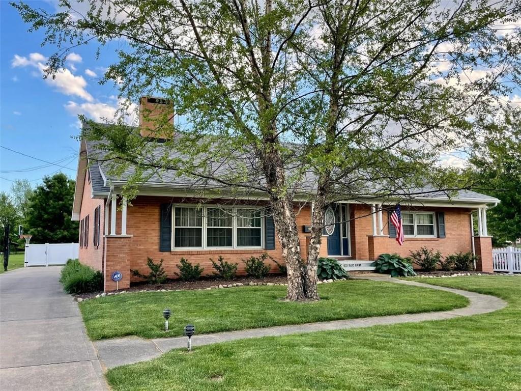 620 E Court Street Property Photo 1