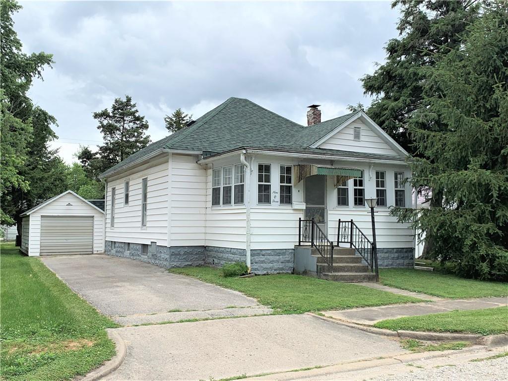 903 E 1st Street Property Photo 1
