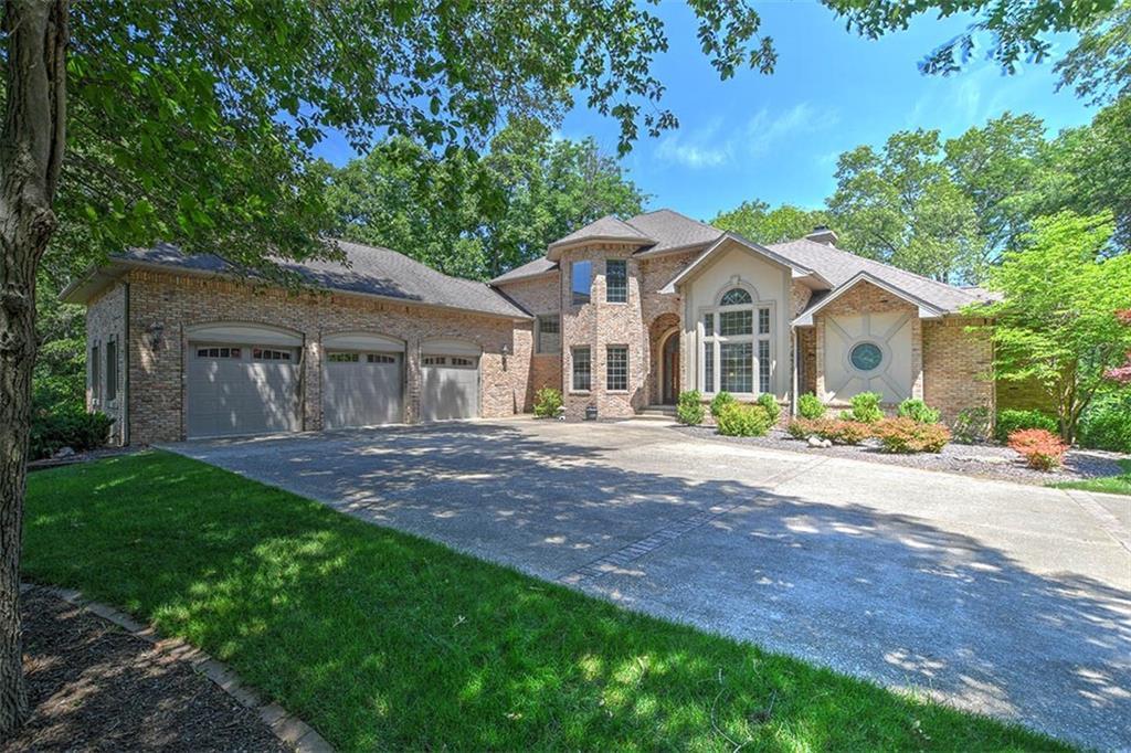 4230 South Lake Court Property Photo 1