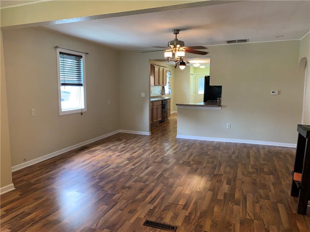 804 Lawndale Avenue Property Photo 6