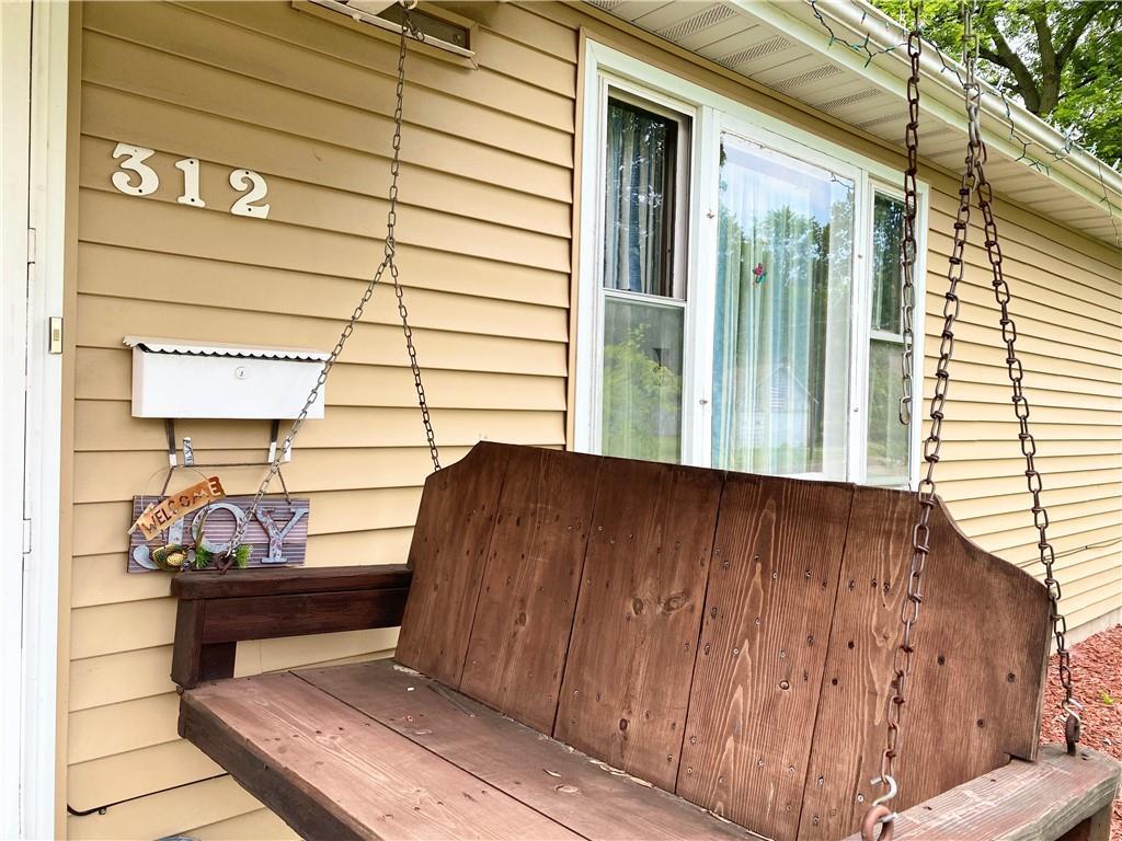 312 E Van Buren Street Property Photo 1