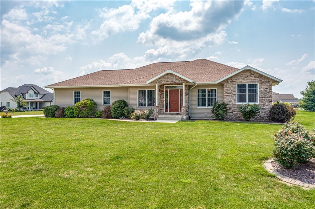 17155 N Oak Bluff Drive Property Photo 1