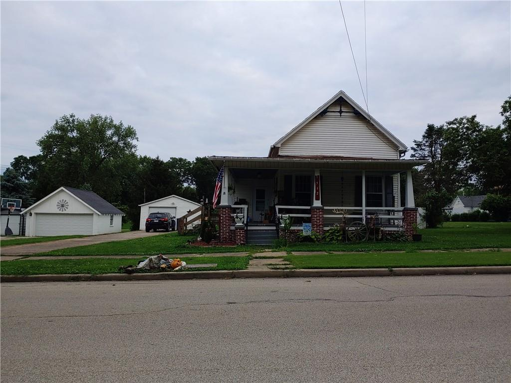 512 E Wood Street Property Photo 1