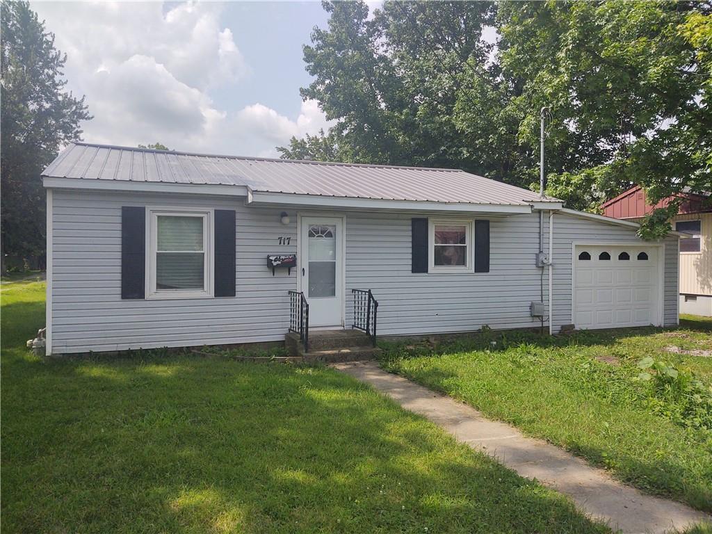 717 W Roane Street Property Photo 1