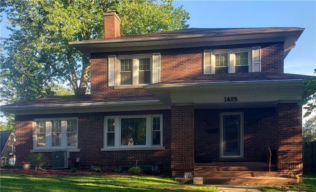 1405 W Riverview Avenue Property Photo 1