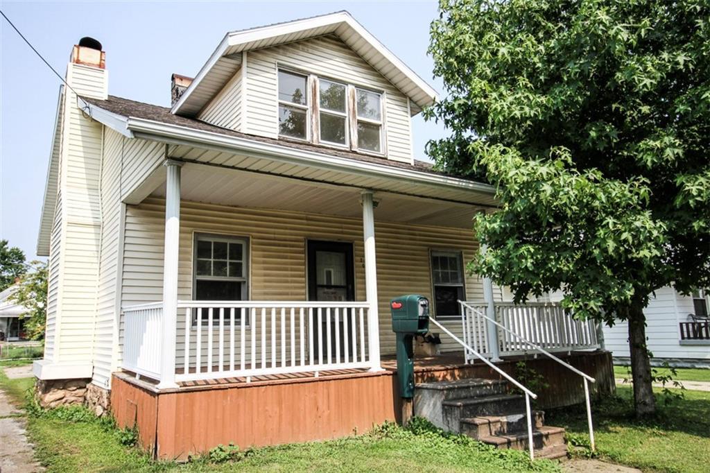 705 S Cross Street Property Photo 1