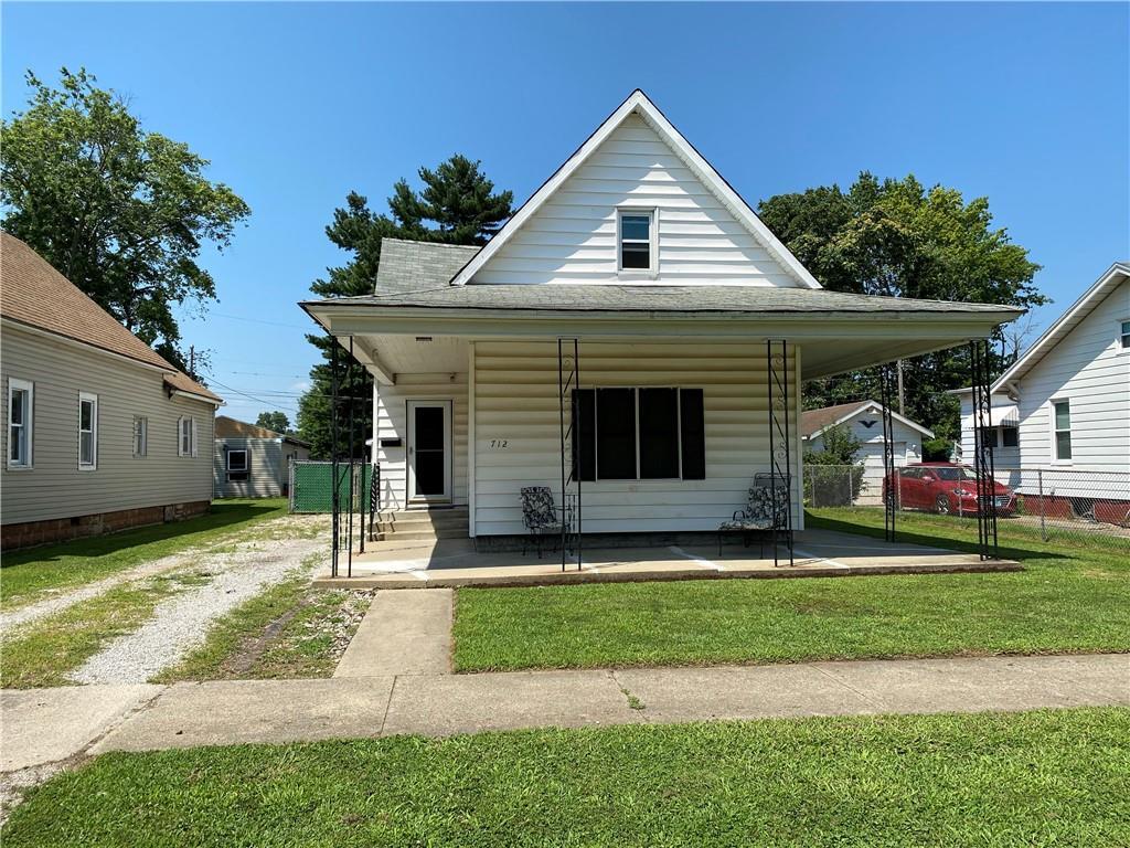 712 Prairie Avenue Property Photo 1
