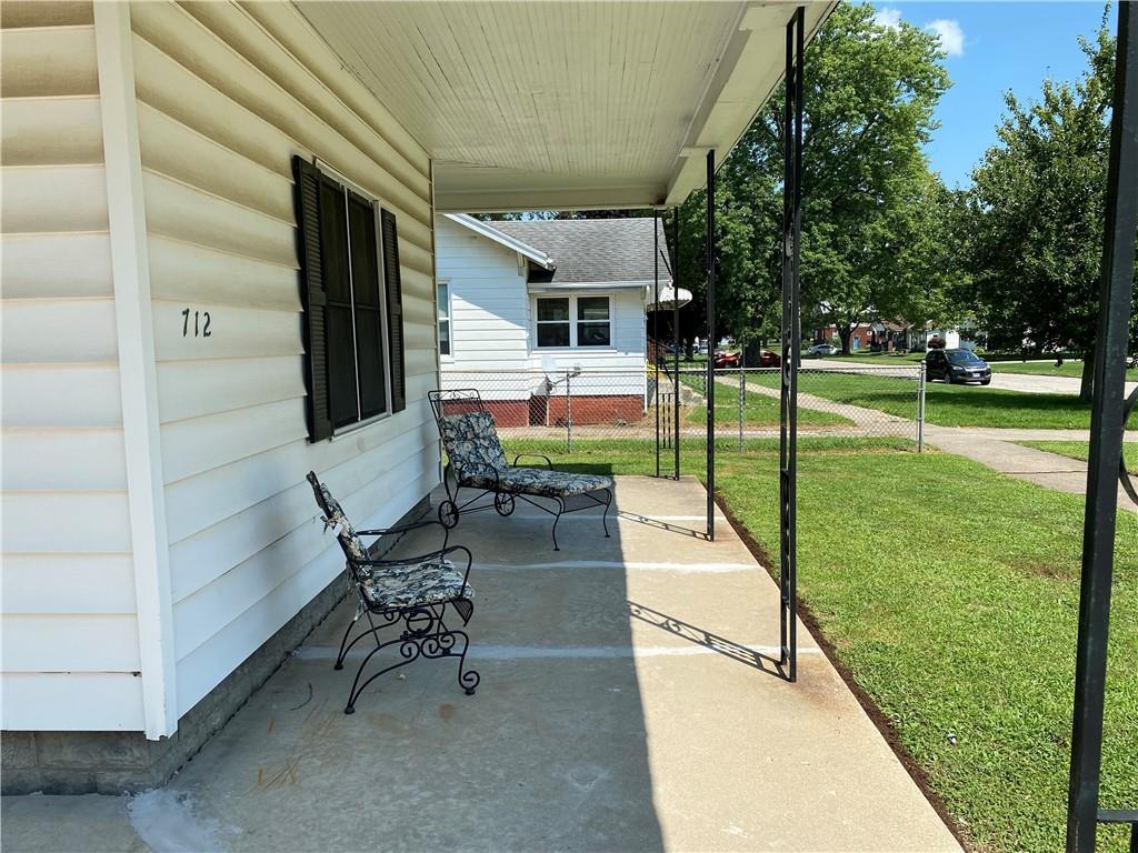 712 Prairie Avenue Property Photo 3