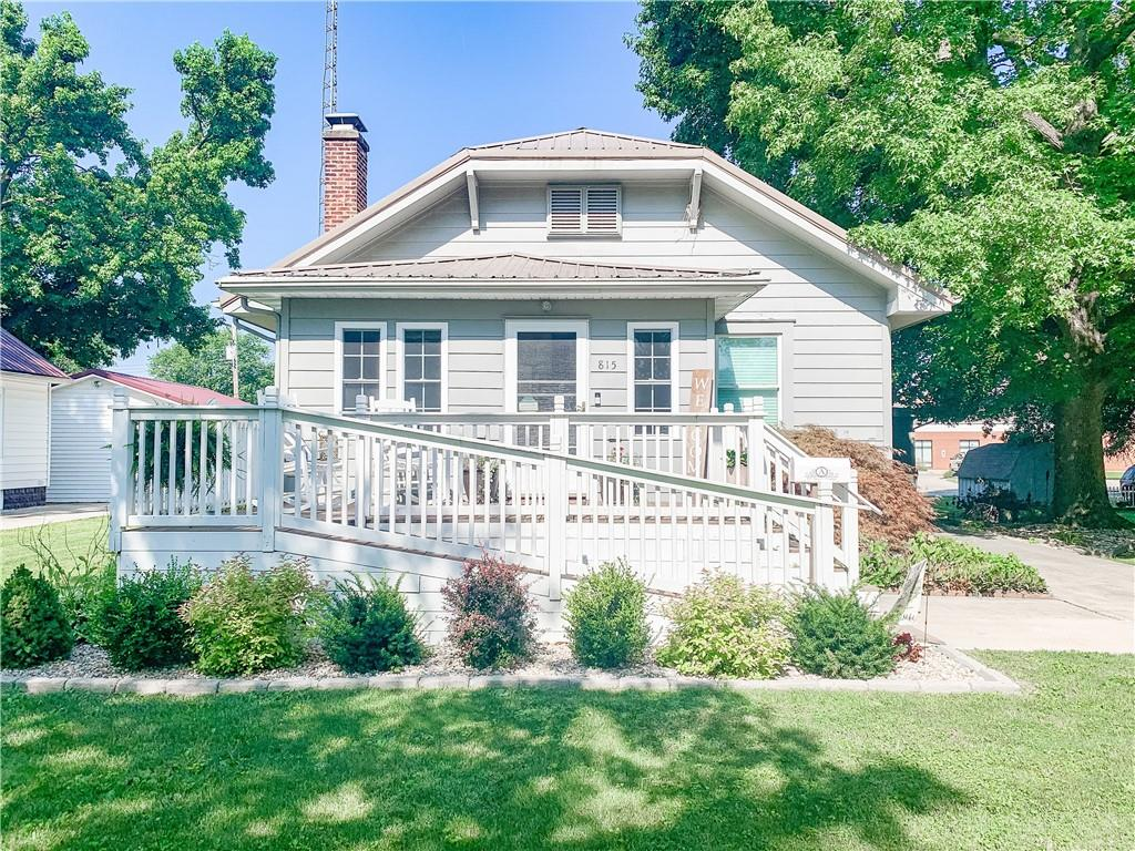 815 S Poplar Street Property Photo 1