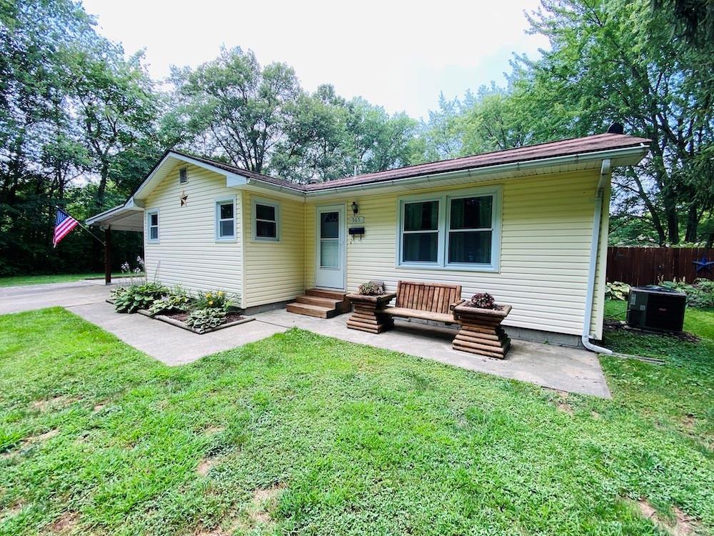 565 S Washington Street Property Photo 1